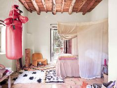 Bohemian rustic house in Ibiza with a lot of charm for the unexpected. House, Rustic Space, Bohemian Decor, Rustic Bohemian, House Styles, House Inspiration, Bedroom Inspirations, Stunning Interiors, Rustic House