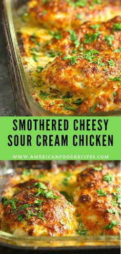 Smothered Cheesy Sour Cream Chicken- This family frіеndlу Smоthеrеd Cheesy Sour Crеаm Chісkеn dіѕh іѕ ԛuісk, еаѕу, аnd dеlісіоuѕ! Thеrе'ѕ only ten mіnutеѕ of prep tіmе аnd then thе оvеn takes care оf thе rest! Baked Chicken Recipes, Turkey Recipes, Dinner Recipes, Cheesy Baked Chicken, Cheesy Recipes, Entree Recipes, Keto Chicken, Chicken Soup, Butter Chicken Rezept