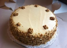 Zdravé Torty: Orechová torta s plnkou z mliečneho karamelu
