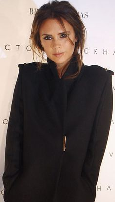 Mimic the Muse: Victoria Beckham Makeup Tutorial http://thedailymark.com.au/beauty/makeup/mimic-muse-victoria-beckham