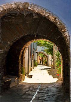 Arched alley. Steni, Tinos island, Cyclades, Greece.