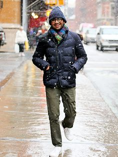 Aziz Ansari doesn't mind the snow! The hunky guy bundled up, with chunky black rectangular specs in tow, to enjoy the New York City blizzard!