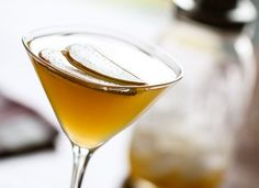 Apple Cider Punch Martini - Trend Home Entertainment 2020 Apple Cider Cocktail, Cider Cocktails, Fall Cocktails, Fall Drinks, Martini Recipes, Drink Recipes, Cocktail Recipes, Punch Recipes, Yummy Recipes