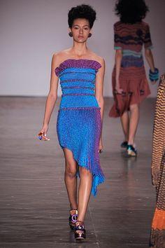 """Batizada de """"Simultané"""", a coleção verão 2017 da GIG é inspirada nas obras da artista francesa Sonia Delaunay e une a arte à moda."""