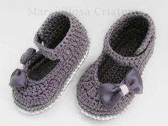 Zapatos de bebé grises elegantes hechos de algodón de Maravillosa Criatura por DaWanda.com