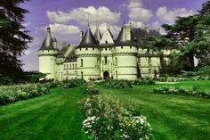Zamek w którego parku odbywa się międzynarodowy festiwal ogrodów.