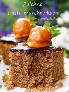 Pulchne ciasto marchewkowe