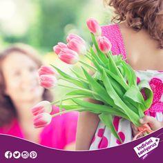 Bugün tüm çiçekler annelerimizin... Anneler Gününüz kutlu olsun. #AnnelerGünü #annelergününüzkutluolsun #canımannem #annem #anne #çiçek