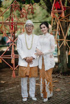 Pernikahan Dengan Tema Eklektik Etnik ala Finna dan Agi -