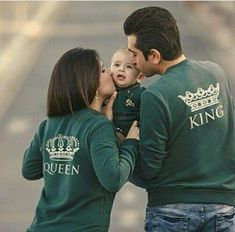 Whatsapp Dp Images Photo Pics Pictures Wallpaper With Cute Love Romantic Attitude Girl & Boys DP - Good Morning Images Couple With Baby, Cute Love Couple, Cute Family, Cute Muslim Couples, Cute Couples Goals, Photo Couple, Couple Shoot, Couple Dps, Romantic Couple Dp
