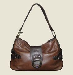 JB Fashion Bag - Brown Pebble  This beautiful fashion handbag is complete with one large compartment, small zip compartment inside as well as a pouch for your phone and clip for keys. Fully lined this bag is a great day to day bag.