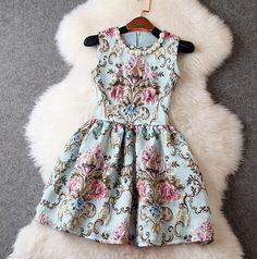 Slim retro sleeveless dress