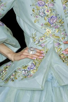 mademoisellefashionn:  whore-for-couture:  theeleganceofrunway:  Christian Dior Couture F/W 2007  Haute Couture blog :)  Bonjour, nous sommes Katarina et Violeta. Nous adorons la mode.