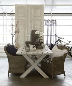 wicker chairs • picnic table