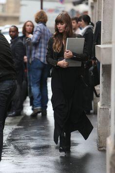 Jessica Biel shopping on Avenue Montaigne in Paris. 10-8-2012