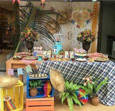 Decoração de festa junina Birthday Parties, Happy Birthday, Ramadan Decorations, Party Decoration, Backdrops, Diy Crafts, Halloween, Creative, Giveaway