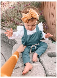 Baby Girl Fall Outfits, Winter Baby Clothes, Winter Outfits For Girls, Baby Girl Winter, Newborn Girl Outfits, Trendy Baby Clothes, Little Girl Outfits, Baby Girl Dresses, Baby Girl Fashion