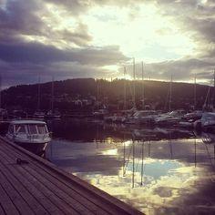 Coucher de soleil sur le port de plaisance du lac d'Ostersund #voyage #travel #lake #Sweden by chris_voyage #travel
