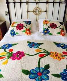 Bed Covers, Cushion Covers, Crochet Crocodile Stitch, Embroidered Bedding, Embroidered Sweatshirts, Brazilian Embroidery, Diwali Decorations, Diy Pillows, Bed Spreads