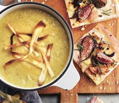Parsnip, apple and leek soup