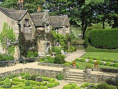 Holdsworth House, Halifax, Yorkshire. Jacobean manor house built in 1633.