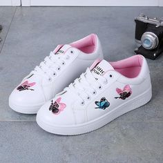 Pink Round Toe Flat Butterfly Embroidery Casual Shoes