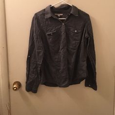 Grey button up shirt Wrinkled, rarely worn Old Navy Tops Button Down Shirts