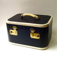 Vintage Train Case @SkinnyandBernie #luggage #train #case #blue #vintage