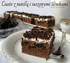 03 Ciasto z nutellą i suszonymi śliwkami