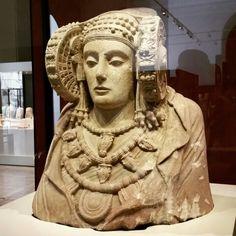 Dama de Elche. Museo Arqueológico Nacional  (Madrid)