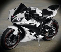 2007 Yamaha R6.This is my second choice after the ducati