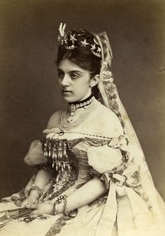 Baroness Helene von Vetsera, nee Baltazzi, wearing a diamond star tiara. Her daughter, Mary, was the lover of Crown Prince Rudolf of Austria and died with him at Mayerling Royal Crowns, Royal Tiaras, Tiaras And Crowns, Kaiser Franz Josef, Franz Josef I, Historical Costume, Historical Clothing, Historical Dress, Empress Sissi