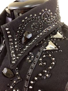 Black on black showmanship jacket by Tandy Jo Show Apparel Available at… Western Show Shirts, Western Show Clothes, Horse Show Clothes, Cowboy Outfits, Western Outfits, Western Wear, Horse Riding Helmets, Showmanship Jacket, Horseback Riding Outfits