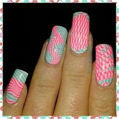 Here's my #throwbackthursday  Hello loves!  Here's a @b.lovesplates Mind Blown B. 03 mani using @mundodeunas  Neon Pink and Mint polish for the stamping and topped with @chinaglazeofficial Fairy Dust   and HK Girl @glistenandglow1!  Hope you like it and y