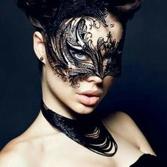 If you want to draw attention to your hair and your hair accessories in the winter of we offer you a suggestion: wear a black mesh veil. Venetian Masquerade Masks, Masquerade Party, Touch Of Gray, Lace Mask, Mask Girl, Gothic Models, Beautiful Mask, Beautiful Women, Masks Art