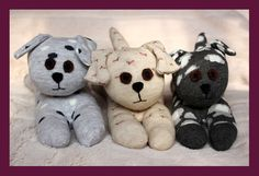 chaussettes > chiots - Star-Shaped and Shiny: Sock-Cats and Dogs - Make Soft Toys From Socks Homemade Stuffed Animals, Sewing Stuffed Animals, Felt Animal Patterns, Stuffed Animal Patterns, Sock Crafts, Pet Monkey, Sock Toys, Operation Christmas Child, Sock Animals