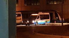 Un hombre ha fallecido sobre las siete de esta tarde en Vélez-Málaga en el interior de un autobús de la empresaALSA, según ha podido confirmar esta redacción. La víctima, de 71 años de edad, sufrió un infarto cuando el vehículo se encontraba a la altura de la rotonda delcamino Remanente.   #anciano #autobus #fallecimiento