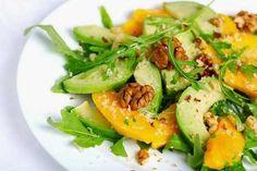 """L'avocado è un ottimo frutto ricco di Omega 3 e grassi """"buoni"""". Ecco 3 semplici ricette con avocado da gustare in compagnia!"""