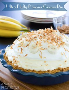 Fluffy Banana Cream Pie Recipe | ASpicyPerspective.com #pie #banana #easydessert