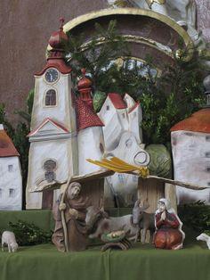 Beautiful hand carved Nativity from czech autor Hana Richterová. detail Malešov by Kutná Hora ČR Holy Family, Hana, Beautiful Hands, Nativity, Hand Carved, Carving, Scene, Bird, Detail