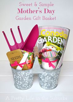 Mothers Day Gifts Sweet & Simple Mother& Day Garden Gift Basket - A Pretty Life In The Suburb. Craft Gifts, Diy Gifts, Mother's Day Gift Baskets, Easy Family Meals, Family Recipes, Mothers Day Crafts, Garden Gifts, Creative Gifts, Party Gifts