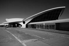 TWA Flight Center, Eero Saarinen (John F. Kennedy International Airport, Queens, New York, 1956 - 1962)