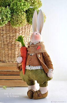 Купить Кролик Матэуш / Mateush - кролик, осень, рыжий, заяц, морковка, осенний Handmade Toys, Etsy Handmade, Bunny Toys, Bunnies, Crochet Rabbit, Bunny Crafts, Fabric Toys, Sewing Toys, Deco Table