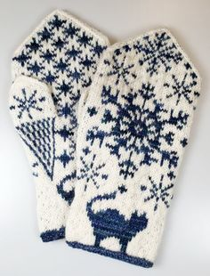 Fingerless Mittens, Knitting Socks, Mitten Gloves, Knitted Hats, Wrist Warmers, Hand Warmers, Crochet Socks, Knit Crochet, Hardanger
