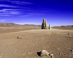 The Atacama desert may be both isolated and hostile to humanity, but that doesn't mean it remains untouched by the hand of Man… literally. This monumental sculpture of a human hand rising out of the desert sands was created by Chilean sculptor Mario Irarrazabal and stands 11 feet tall.