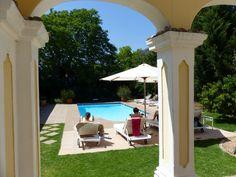 Einer der beiden Pools im River Manor Hotel Safari, Garden Route, Outdoor Furniture, Outdoor Decor, Sun Lounger, Pools, Patio, River, Home Decor