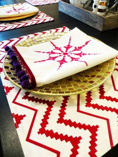 DIY stenciled fringe pom pom napkins for your Holiday and Christmas table decor - Royal Design Studio stencils - via goldandstripes