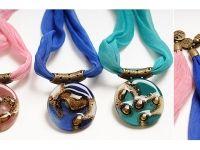 Collar Athenas . Diseño de Cristálida Accesorios en Vidrio y Cuero