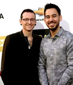 Likable picture of Chester and Mike! Like the Gray cameo shirt Mike! kslp