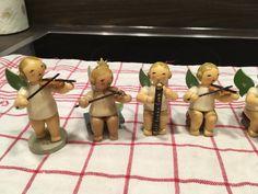 Figuren haben dem Alter entsprechende gebrauchsspuren(siehe Fotos), bei einem Engel ist ein Flügel...,Erzgebirge Engel Orchester Kuhne Figuren alt in München - Moosach